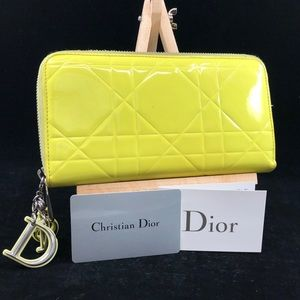 DR001 Lady Dior Patent Leather Zip around wallet